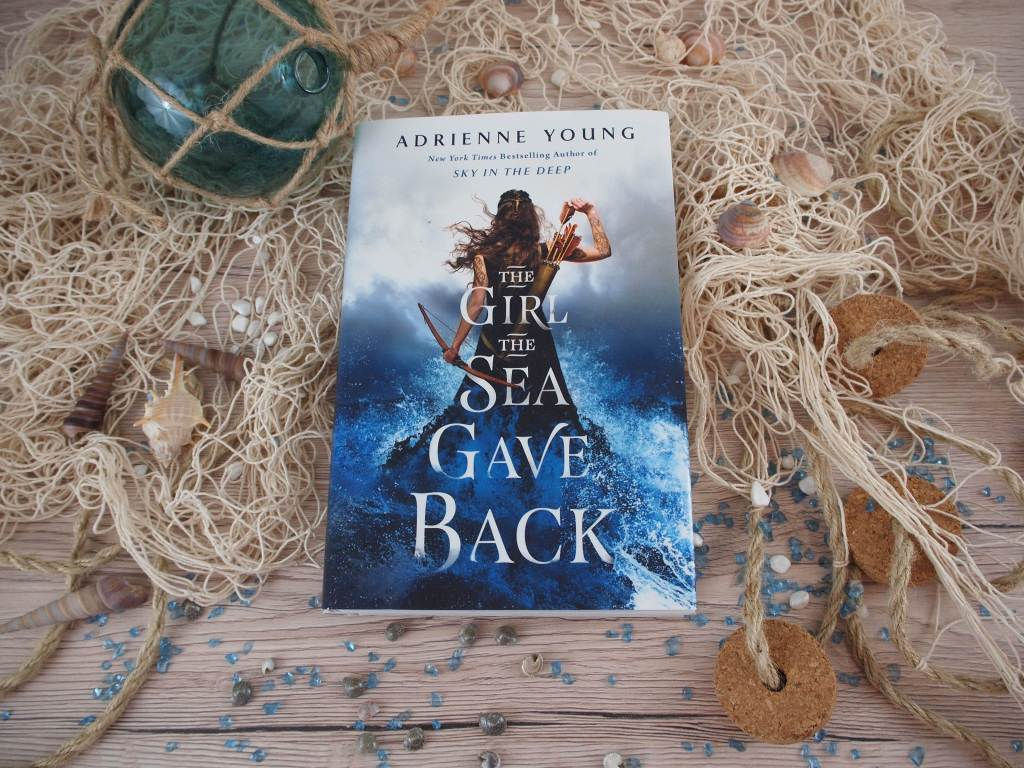 Adrienne Young - The Girl the Sea Gave Back (Sky and Sea 2)